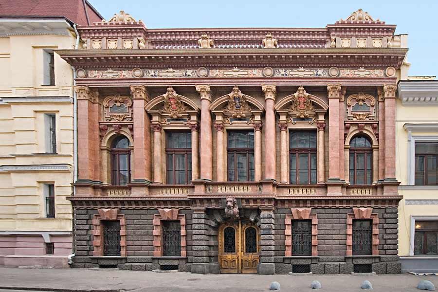 Дворец Графов Толстых