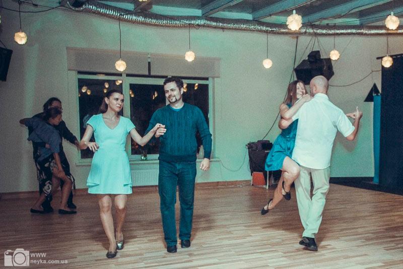 Танцевальная вечеринка в La Ronda de Kiev