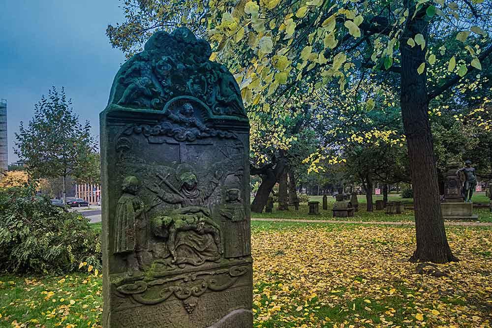 Ганновер траурный Надгробие с рельефом