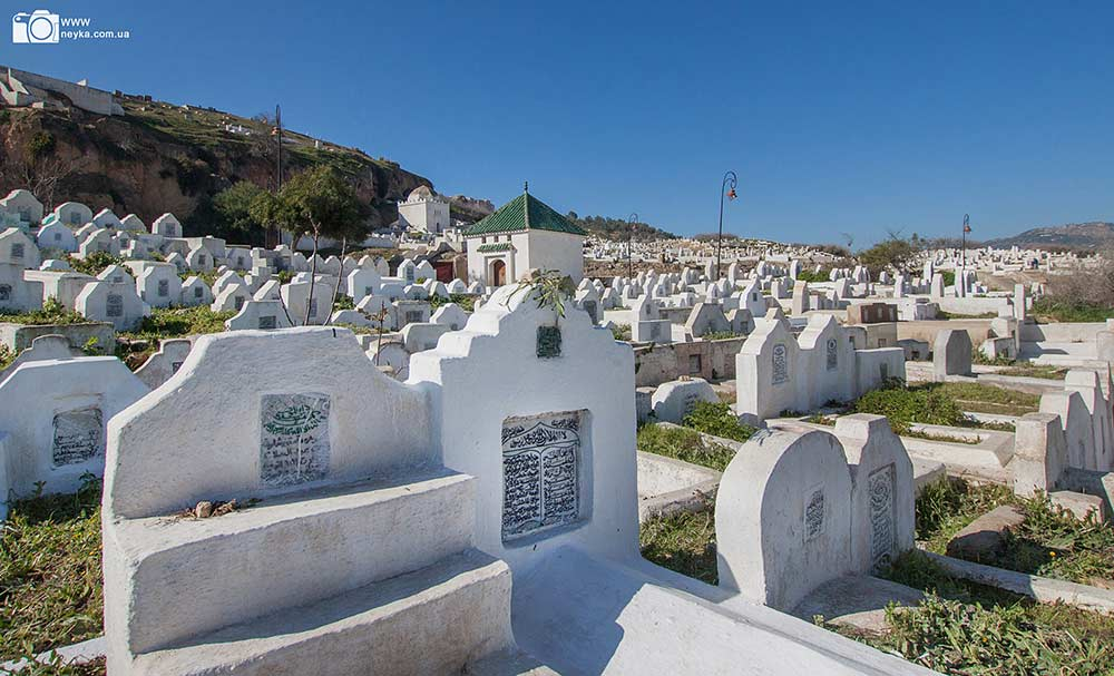 graveyard_arabic