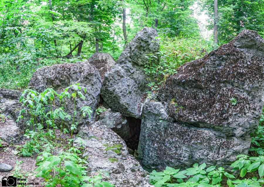 ДОТ 33 КиУр бетонные останки